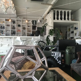 CAFE/GALLERY